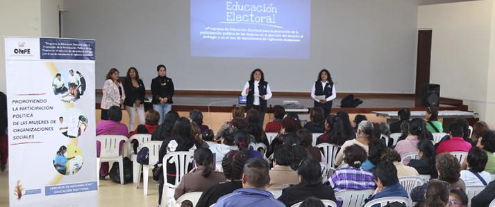 ONPE capacita a mujeres de organizaciones sociales para que ejerzan sus derechos políticos