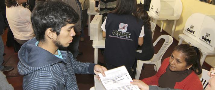 Tres partidos políticos eligen este domingo a sus candidatos con asistencia de la ONPE