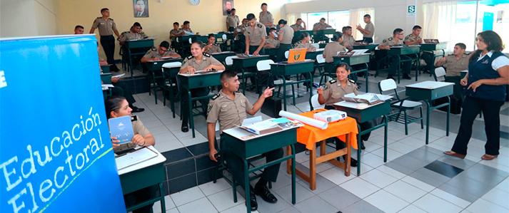 ONPE capacita alumnos de las Escuelas de la Policía Nacional del Perú en educación electoral