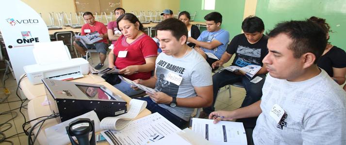 ONPE realiza primera jornada masiva de capacitación a miembros de mesa
