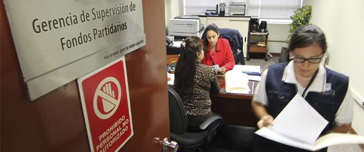 ONPE multará con 405 mil soles la entrega, promesa u ofrecimiento de dinero en campaña