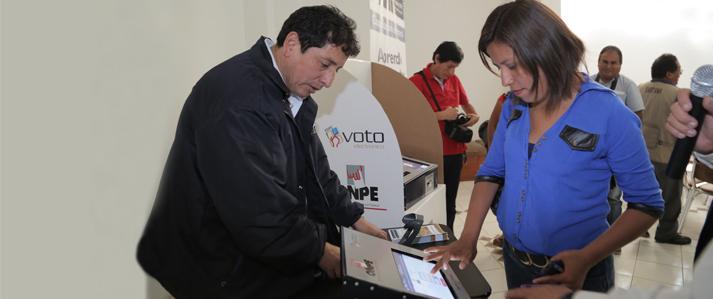 ONPE supervisa la capacitación sobre voto electrónico en nuevo distrito de Pucacolpa