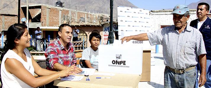 Especialistas de ONPE capacitan a la población y coordinan detalles en provincia limeña de Cañete