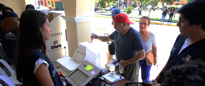 ONPE fortalece capacitación a electores y miembros de mesa sobre voto electrónico