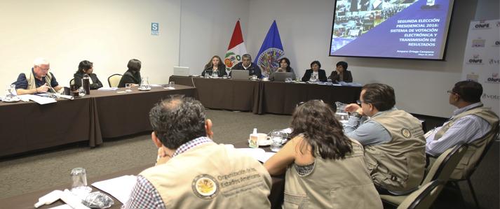 ONPE expone ante observadores electorales de la OEA y Unasur detalles de los comicios del 05 de junio