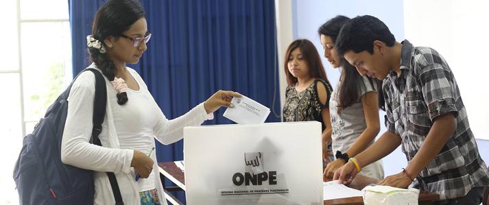 San Marcos se adecua a la Ley Universitaria con elección que se realiza con asistencia de la ONPE