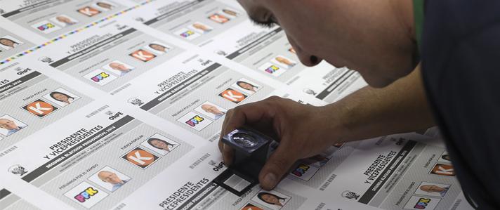 ONPE inicia la impresión de más de 23 millones de  cédulas de sufragio para la Segunda Elección Presidencial