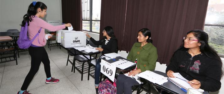 Más de 43 mil electores, entre docentes y estudiantes, eligen este domingo al rector de la UNMSM