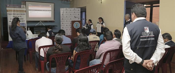 Periodistas de Ayacucho fueron capacitados por ONPE en quechua