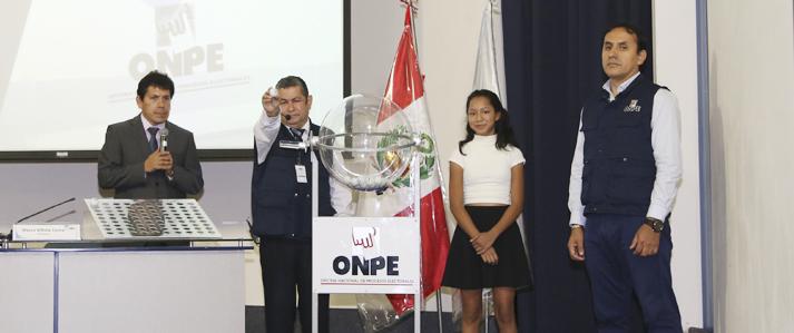 ONPE realiza sorteo de 156 miembros de mesa para Elecciones Municipales de marzo