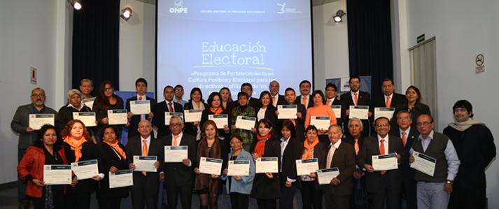 ONPE capacitó a más de 100 dirigentes y afiliados de partidos políticos en cultura electoral